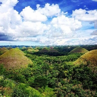 Did you know? There are at least 1,200 of these natural beauties in? Popularly known as 'Chocolate Hills', they are grass covered limestone formations that turn chocolate brown during the dry season.  Photo: @_zhairen