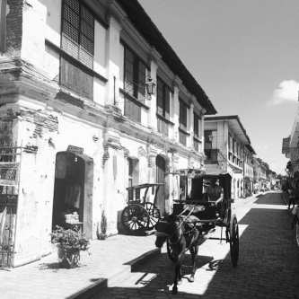 If these colonial houses and cobblestone streets could talk…. Our regram of by @carmelaxdavid